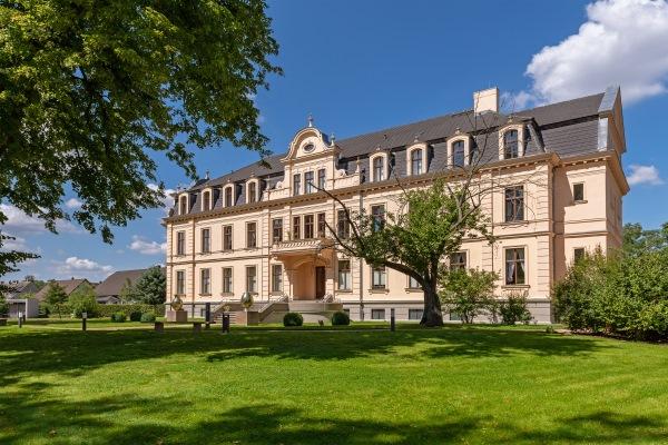 Schloss Ribbeck im brandenburger Havelland, 200 Jahre Theodor Fontane, Birnbaum, Wanderung durch die Mark Brandenburg